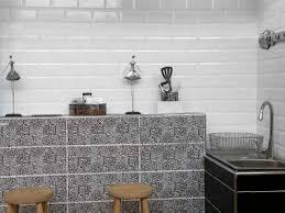 kitchen wall tiles. Valencia Subway Bevelled Glossy White Ceramic Wall Tile - 200 X 100mm Kitchen Wall Tiles
