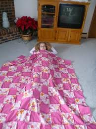 frayed-edge-quilt-21451788.jpg & Elliana & her quilt Adamdwight.com