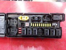 jeep fuse box 06 07 08 jeep commander 5 7 engine compartment fuse box