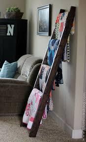 Best 25+ Quilt racks ideas on Pinterest | DIY quilting rack, Quilt ... & Best 25+ Quilt racks ideas on Pinterest | DIY quilting rack, Quilt display  and DIY quilted blankets Adamdwight.com