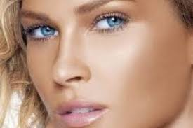 makeup tips for blue eyes that make them even more stunning and may attract unicorns
