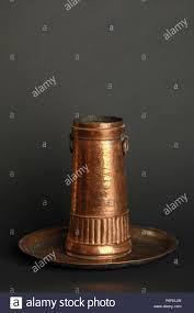 Antike Metall Becher Auf Dunklem Hintergrund Antik Bronze
