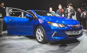 2016 Chevrolet Volt Plug-In Hybrid – Official Photos and Info ...
