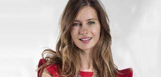 Her paternal family is of turkish descent who immigrated from greece. Tuba Unsal Kac Yasinda Tuba Unsal Nereli Son Dakika Haberleri Milliyet