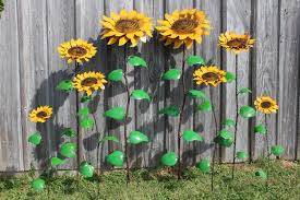 recycled metal sunflowers stakes 4