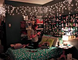 2 Main Things Iu0027m Taking With Me To College: Christmas Lights And Pictures.  Dream Bedroom ...