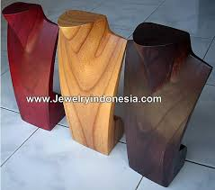 wood necklace stand bali indonesia