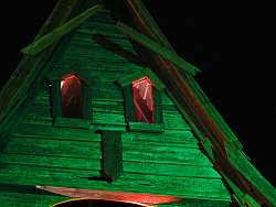 haunted house lighting ideas. spooky haunted house halloween lighting display ideas h