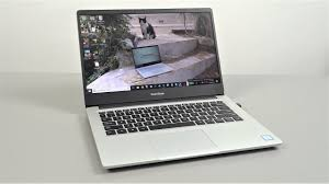 <b>RedmiBook 14</b> Unboxing & Review - A Winner For The Price?