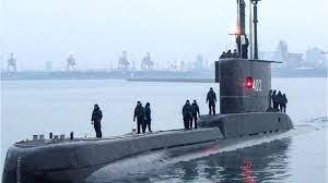 Il sottomarino scomparso in Indonesia: per salvare le 53 persone a bordo  c'è tempo fino a domani - YouTube