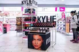 kylie jenner coty can pout over covid