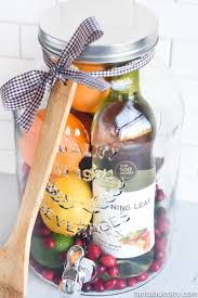 aw how cool is this diy gift idea sangria for friends housewarming