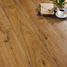Quickstep Andante Natural Oak Effect Laminate Flooring 1.72 m Pack |  Departments | DIY at B&Q