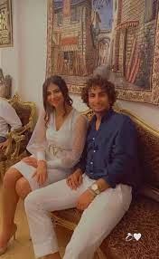 عمرو وردة يعلن خطوبته في حفل عائلي - قناة صدى البلد