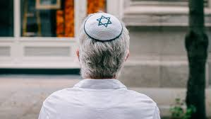 British Jews' fear and defiance amid record monthly anti-Semitism reports -  BBC News