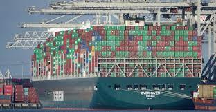 Boxships blocks Suez Canal
