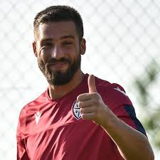 Leonardo Pavoletti chiude al mercato: A Cagliari sto bene, obiettivo 20 gol