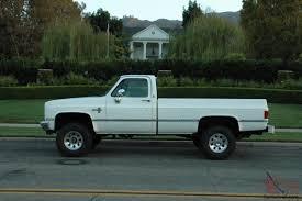 Chevy pickup 3/4 ton 4x4