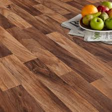 Arezzo Walnut Effect Matt Vinyl Flooring 6 m