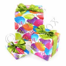 multi gift wrap balloons 01
