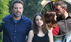 Are ana de armas and ben affleck engaged? Ben Affleck Would Love To Have Kids With Girlfriend Ana De Armas Daily Mail Online