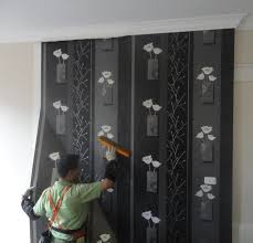 professional wallpaper installer