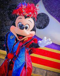 7月8月ディズニー夏祭りで濡れても大丈夫な服装15選日焼け対策も