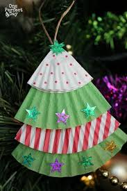 Easy Christmas ornament for kids to make using cupcake liners and some  glittery stickers. | december erichment ideas | Pinterest | Easy christmas  ornaments, ...