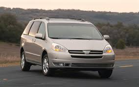 2005 Toyota Sienna - Information and photos - ZombieDrive