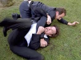 """Résultat de recherche d'images pour """"men fighting"""""""