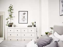 White bedroom dresser - Interior Design