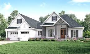 2000 sq ft modern farmhouse house plans 1400 foot best this craftsman design floor plan is