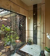 natural bathroom decor