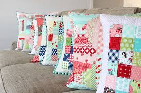 Everyday Celebrations: Tutorial: Tips for Perfect Quilted Pillows & Pick a pillow pattern to make or make a single block of your favorite