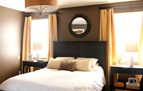Yellow Gold Paint Color Living Room Dark Bedroom Paint Colour Benjamin Moore Brown Horse With Gold And