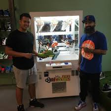 Sneaker Vending Machine For Sale Interesting Sneaker Claw Machine At Urban Necessities Complex