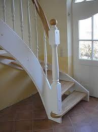 Die treppenstufen bestehen aus 40 mm massivholz, sind für holzart und bearbeitung. Montagebau Karstens Gunstige Holztreppe Lubeck Weisse Treppen