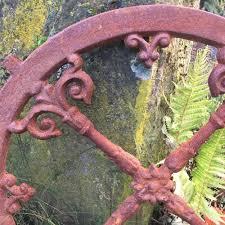 Antikas Rundes Giebel Fenster Eisenfenster Für Stall