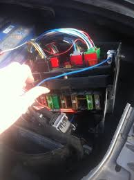 tutorial how to fix abs faults peugeot forums simply un clip the lid and you will be presented fuses now underneath the fuse box there will be about 7 large mega fuses