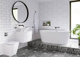 Badkamer Vrijstaand Wit In Moderne Met Zwarte Tegelvloer Zwart En