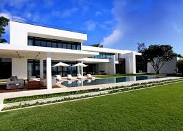 Stunning Waterfront Modern Masterpiece By Ralph Choeff In Miami Beach Stunning Miami Home Design Exterior