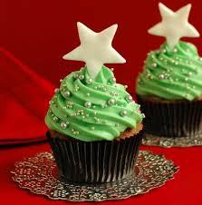 creative christmas cupcakes. Simple Christmas Christmas Tree Cupcake Via Riya Weddingdress Beautiful Cupcakes Throughout Creative Cupcakes C