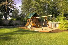 traditional-kids-playset (2)