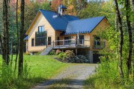 stukely sud en estrie ieuse maison en bois rond 4 chambres cabane dans l arbre garage meublée pe étang 3 7 acres