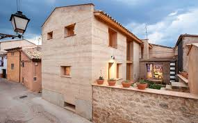 Earth Homes Designs Award Winning Rammed Earth Home In Spain Halves Normal Co2