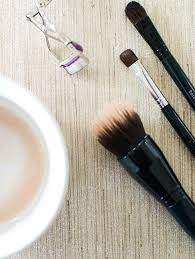 how to clean makeup brushes with coconut oil. one of the best ways to minimize breakouts is take care your makeup brushes on reg. this ah-mazing diy recipe adds in fresh lemon juice give how clean with coconut oil k