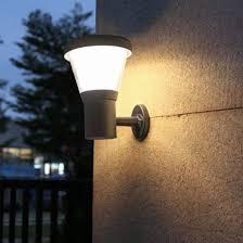 quality wall mounted solar garden light