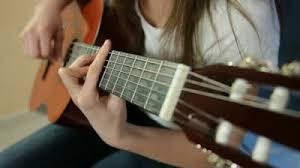 Những nguyên tắc cơ bản để đánh đàn guitar hay