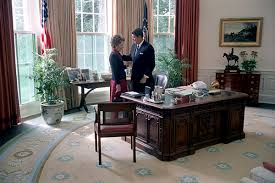 ronald reagan oval office. President Ronald Reagan And First Lady Nancy Share A Moment Alone In The Oval Office W