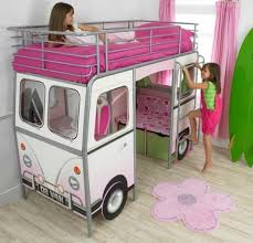 13 Cool Carriage Beds For Little Girls